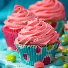 These come out so pretty and fun with a burst of fresh strawberry flavor! Vanilla Bean Cupcakes w/ Fresh Strawberry Icing