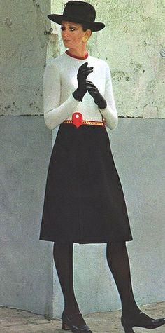 Vestido bicolor de Pierre Balmain - Vogue Francia, 1970