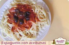 Espaguetis con aceitunas negras, receta fácil y económica -  Las recetas de pasta suelen ser las estrellas de todo hogar gracias a que son siempre muy versátiles y fáciles de preparar, son geniales para cualquier imprevisto, cenas rápidas o para esa etapa del mes en las que tenemos la nevera un poco más vacía. Podemos servir la pasta como plato... - http://www.lasrecetascocina.com/2013/03/06/espaguetis-con-aceitunas-negras-receta-facil-y-economica/
