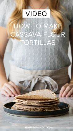 How to make Paleo cassava flour tortillas (plus an easy step-by-step video tutorial! These tortillas are gluten-free, grain-free and paleo-friendly. Gluten Free Grains, Foods With Gluten, Sans Gluten, Gluten Free Recipes, Gf Recipes, Recipies, Weekly Recipes, Healthy Recipes, Cassava Recipe