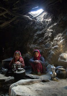 Wakhi girls inside their house in the pamir mountains, Big pamir, Wakhan, Afghanistan People Around The World, Around The Worlds, Different Types Of Houses, Afghan Girl, Eric Lafforgue, Pretty Photos, Central Asia, Galaxy Wallpaper, Culture Travel