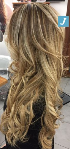 Biondo firmato Degradé Joelle! #cdj #degradejoelle #tagliopuntearia #degradé #igers #musthave #hair #hairstyle #haircolour #longhair #ootd #hairfashion #madeinitaly #wellastudionyc