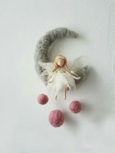 Sweet felted angel sitting on felted cresent moon. by Giodali on EtsyWaldorf Ispired needle felted mobile: The Pink and Purple CThis is a Waldorf inspired piece made of wool by the needle-felting technique.Items similar to Felt fairy * needle felted Needle Felted Animals, Needle Felting, Peg Doll, Felt Crafts, Diy And Crafts, Craft Projects, Sewing Projects, Dream Catcher Mobile, Dream Catchers