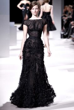 Elie Saab Haute Couture Spring 2011. Just throw on some red lipstick and pearl earrings - BOOM - you're Oscar ready.