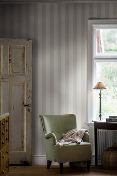Chic and stylish, our Falsterbo Stripe wallpaper in beige and white is a true classic with timeless appeal. Sold worldwide – find your local retailer with our online tool. Striped Wallpaper Living Room, Room Wallpaper, Pattern Wallpaper, Stripe Wallpaper, Grey Room, White Backdrop, Bedroom Colors, Bedroom Ideas, Interior Styling