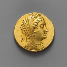 Gold oktadrachm of Ptolemy II Philadelphos. Veiled head of Arsinoe II/double cornucopiae Gold Coin Values, Hellenistic Period, Coin Art, Gold And Silver Coins, Antique Coins, World Coins, Ancient Egypt, Ancient Greek, Ancient Civilizations