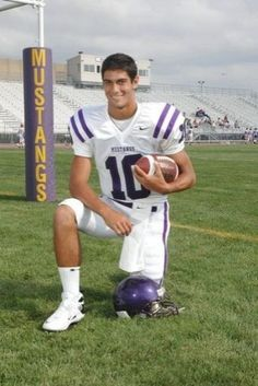 Jimmy Garoppolo will feel at home in starting debut Football Photos, Football Boys, School Football, 49ers Players, American Football Players, Nfl Sports, In High School, San Francisco 49ers, Indianapolis Colts