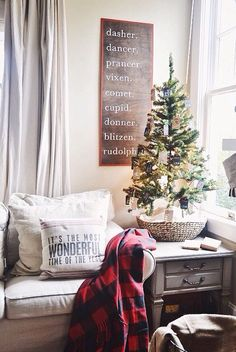 Modern-day Inside Style In Your Laundry Space 15 Farmhouse Christmas Decor Ideas. Motivation For Your Fixer Upper Or Farmhouse Style Christmas Home Decor. Everything A Farmhouse Lover Needs. Diy Christmas Reindeer, Tabletop Christmas Tree, Homemade Christmas Decorations, Small Christmas Trees, Noel Christmas, Christmas 2019, Christmas Ideas, Christmas Cactus, Christmas Movies