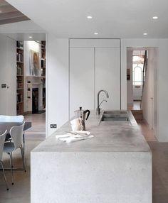 Bancadas de concreto na cozinha