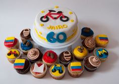 A whole Colombian theme! I'm guessing Jairo really, really likes bikes. Mini Cakes, Cupcake Cakes, 21st Birthday, Birthday Parties, Colombian Dishes, Baking And Pastry, Party Themes, Party Ideas, Theme Parties