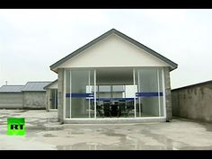 ▶ Video: Giant Chinese 3D printer builds 10 houses in just 1 day - YouTube