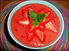 strawberry gazpacho, gazpacho de fresas rajčatovo-jahodová polévka s chili