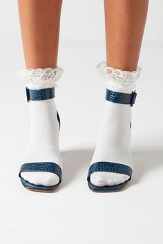 Frilly Socks, Lace Socks, Sexy Socks, Socks And Heels, Foot Socks, Ankle Socks, Clogs, Grunge, Indie