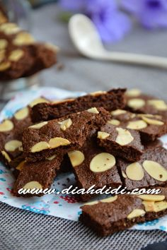 Brownie Cookies, Cake Cookies, Cokies Recipes, Blossom Cookies, Traditional Cakes, Pastry Cake, Biscuit Recipe, Yummy Cakes, No Bake Cake