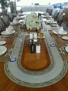 Mesa del comedor del Lady Haya propiedad de los Reyes de Arabia Saudita.