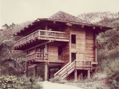 Hawaiian Pole House