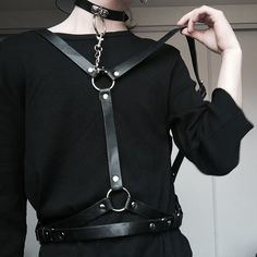 Cheap leather harness, Buy Quality body bondage directly from China underbust harness Suppliers: Sexy Punk Gothic Handcrafted Leather Harness Underbust Waist Body Bondage Caged Straps Suspender Belt Mode Alternative, Alternative Fashion, Gothic Fashion, Look Fashion, Womens Fashion, Catty Noir, Leather Harness, Look Cool, Kinky
