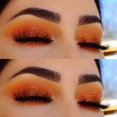 Maquillajes para tus ojos que deberían acompañarte al antro