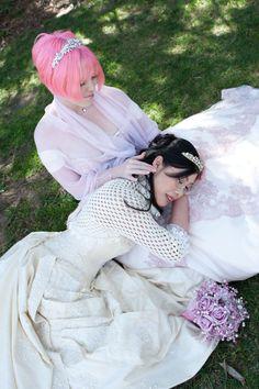 Our favorite lesbian gamer wedding EVAR?!
