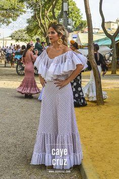 Flamenco Skirt, Flamenco Dancers, Belly Dance, Womens Fashion, Skirts, Dresses, Folklore, Vestidos, Skirt