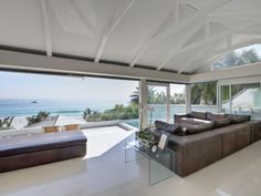 4th Beach Bungalow  Clifton Bungalow Rental   Close To The Beach   Capsol   4th Beach Bungalow in Clifton, Cape Town with Capsol. Bungalow Rental close to beach and stylish, designer interiors to rent