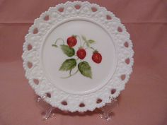 "HAND PAINTED MILK GLASS 7 1/4"" PLATE / TRIVET STRAWBERRIES/ LEAVES  #MILKGLASS Strawberry Leaves, Strawberry Fields Forever, Wedgwood, Milk Glass, Strawberries, Decorative Plates, Pottery, Hand Painted, Painting"