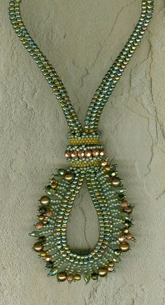 Crowned Victoria  A Beading Pattern by StonyCreekBead on Etsy, $12.00