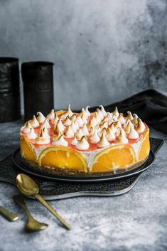 Aperol-Spritz-Torte mit Baiserhaube – Rezept für den Thermomix® Graduation Food, Sweet Corner, Cake Cookies, Panna Cotta, Bakery, Sweets, Ethnic Recipes, Party, Golden Life