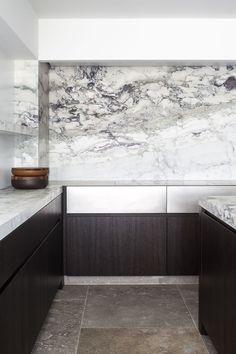 Hullebusch Realisations CAPRINA NUVOLATA - honed architect: obumex - staden marble back splash Küchen Design, Home Design, Design Trends, Design Ideas, Design Elements, Minimalist Architecture, Interior Architecture, Architecture Board, Modern Kitchen Design