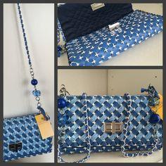 23 Clever DIY Christmas Decoration Ideas By Crafty Panda Plastic Canvas Stitches, Plastic Canvas Crafts, Plastic Canvas Patterns, Diy Handbag, Diy Purse, Canvas Purse, Canvas Handbags, Barn Wood Crafts, Art Bag