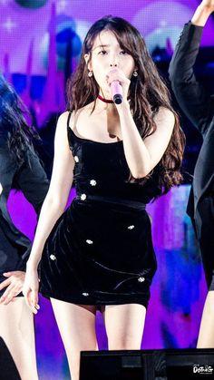Kpop Girl Groups, Kpop Girls, Kpop Fashion, Korean Fashion, Cute Girls, Cool Girl, Iu Hair, Concert Looks, Cute Korean Girl