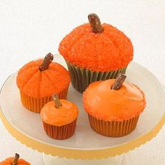 Make your own delicious Pumpkin Patch Cupcakes! More quick Halloween treats: Dessert Dessert Halloween Desserts, Halloween Cupcakes, Easy Halloween, Halloween Designs, Halloween Party, Birthday Cupcakes, Whimsical Halloween, Halloween Baking, Halloween Foods