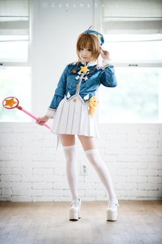 Sakura Card Captors Nice cosplay but maybe too much makeup and I don't think that Sakura wore such high heels, I can't even run like that. Epic Cosplay, Cute Cosplay, Cosplay Girls, Cosplay Costumes, Awesome Cosplay, Anime Cosplay, Sword Art Online Cosplay, Card Captor, Kawaii Cosplay