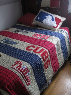 Mike would just die!! Phillies and Cubs on the same quilt?!?! Hm...best of both worlds?