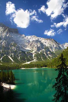 Lago di Braies, Dolomiti, Italia by federicodettoghigo