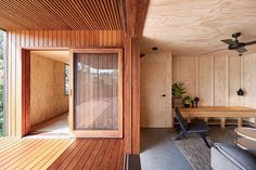 Studio Jackson Scott minimises waste in build of OCM House Building Costs, Building A House, Timber Battens, Cladding Materials, Exterior Cladding, Timber House, Wooden House, Australian Homes, Australian Bush
