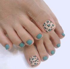 Fall Toe Nails, Pretty Toe Nails, Cute Toe Nails, Diy Nails, Neon Toe Nails, Pretty Toes, Toenail Art Designs, Pedicure Designs, Pedicure Nail Art