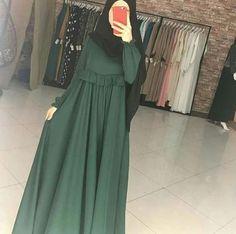 Dress Designs Casual In Pakistan - Dress Abaya Fashion, Skirt Fashion, Fashion Dresses, Muslim Women Fashion, Islamic Fashion, Modern Islamic Clothing, Stylish Hijab, Mode Abaya, Modele Hijab
