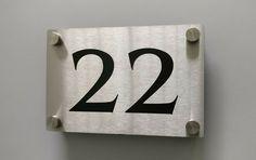 Numero de Maison metal Inox découpé au laser + plaque Couleur noir | Lasercut House Number Stainless Steel metal + Black Color Layer aluminium