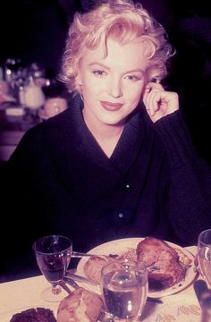 """Marilyn Monroe photographed in 1956 during the filming of """"Bus Stop"""". I've only recently discovered this rare colour photograph and it quickly became one of my favourite images. Marilyn looks so gorgeous. Classic Hollywood, Old Hollywood, Howard Hughes, Joe Dimaggio, Marilyn Monroe Photos, Marilyn Monroe Style, Norma Jeane, Ikon, My Idol"""