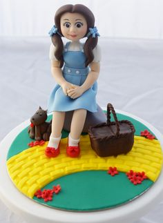 """Dorothy from the Wizard of Oz fondant cake topper """")"""