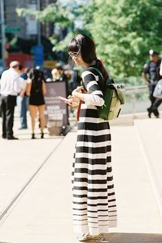 (via Street Style Snaps / How To Wear Striking Stripes This Spring)