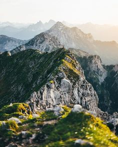 Accompany outdoor photographer Dominik to the Ammergau Alps south of Munich and learn everything about equipment and the best photo spots.