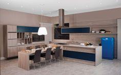 MDF Noce California e detalhes em azul. http://www.designdeinteriores.org/cozinha/cozinhas-planejadas-italinea/