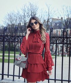 Red dress with ruffles. Dresses For Teens, Casual Dresses, Short Dresses, Dresses For Work, Stylish Eve, Dress Out, Dress Skirt, Girl Fashion, Fashion Outfits