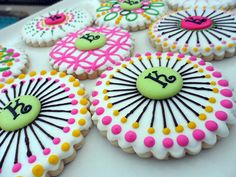 I love these cookies. The colors and design are great, and not just because they have a K on them