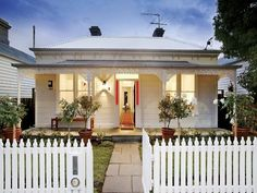White weatherboard with red feature Australian Homes, Country Cottage, House Exterior, Weatherboard House, House Painting, House Colors, Cottage Exterior, Victorian Homes, Weatherboard Exterior