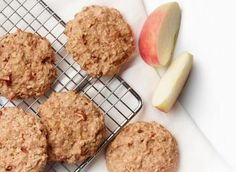 Apple Breakfast Cookies - Milk Recipes- Cookies for breakfast? These moist cookies loaded with oats, milk and fresh apples are a terrific start to the day at home or on-the-go. Healthy Breakfast Snacks, Apple Breakfast, Breakfast On The Go, Healthy Sweets, Breakfast Muffins, Apple Cookies, Oat Cookies, Biscuit Cookies, Apple Muffins