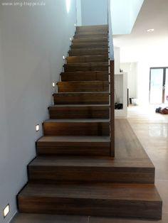 SMG - Treppen - Holztreppen, Escalera, Madera