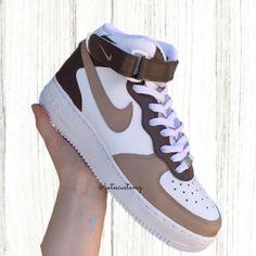 Brown Nike Shoes, Dr Shoes, Cute Nike Shoes, Swag Shoes, Cute Nikes, Cute Sneakers, Hype Shoes, Brown Sneakers, Jordan Shoes Girls